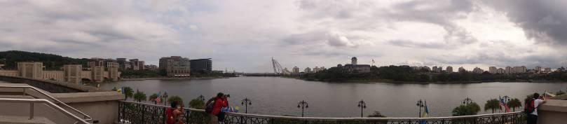 Danau di sebelah kiri Masjid Putra