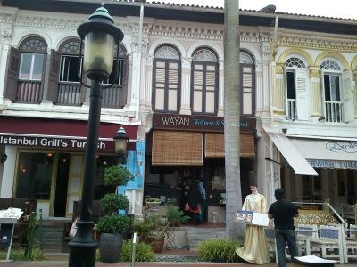 salah satu restoran di Bussorah Street